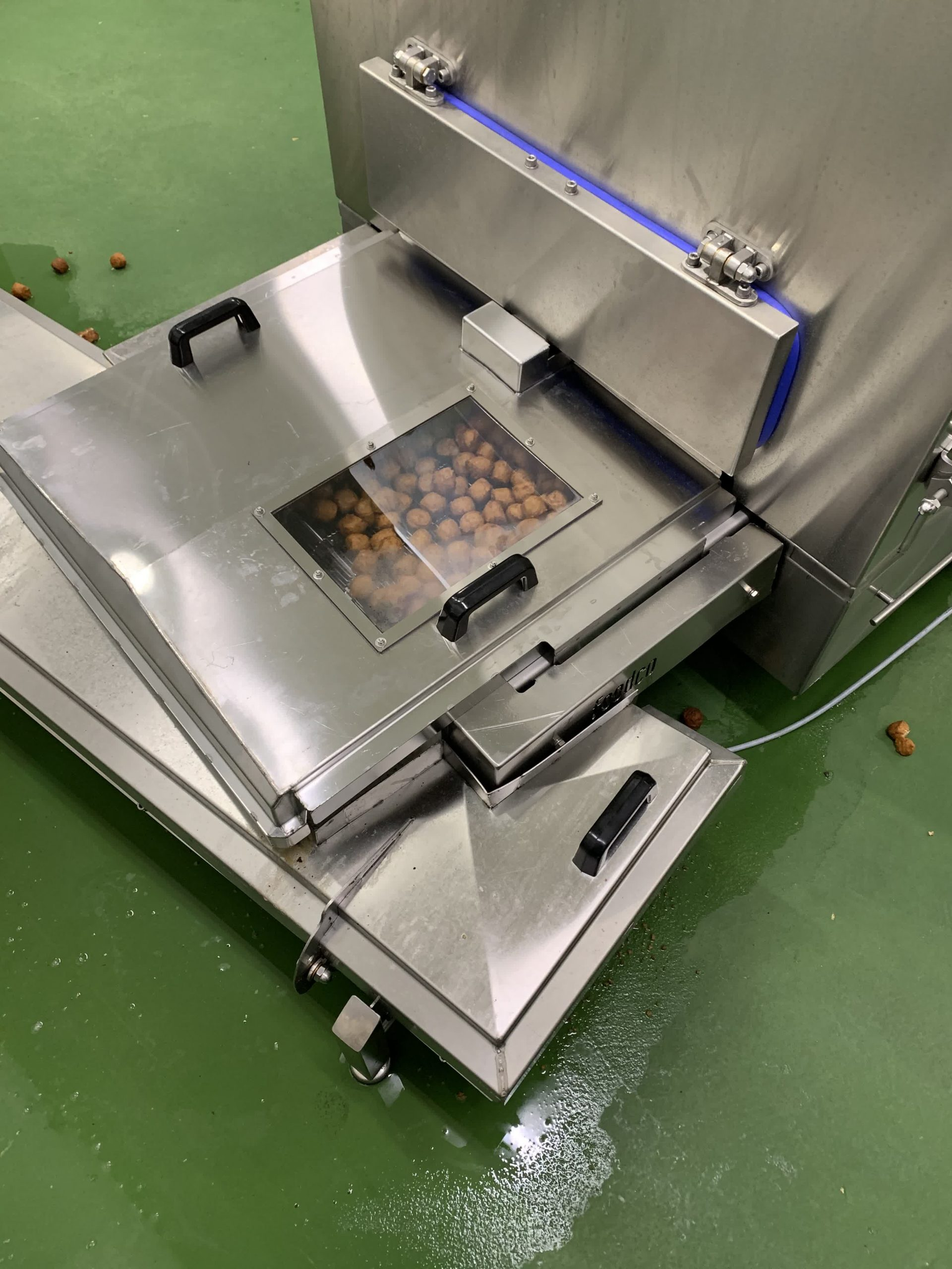 Foodco Global Machinery - Conti meatball and burger line